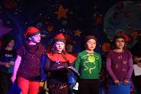 Spectacle de Noël 2013 à l'école de Léry (1)